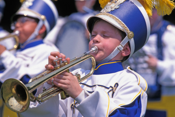 A64BR8 Young male trumpeter in Marching Band